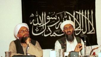 Foto: Ayman al-Zawahri a la derecha de Osama Bin-Laden en 1998, 11 de septiembre de 2019 (AP, archivo)