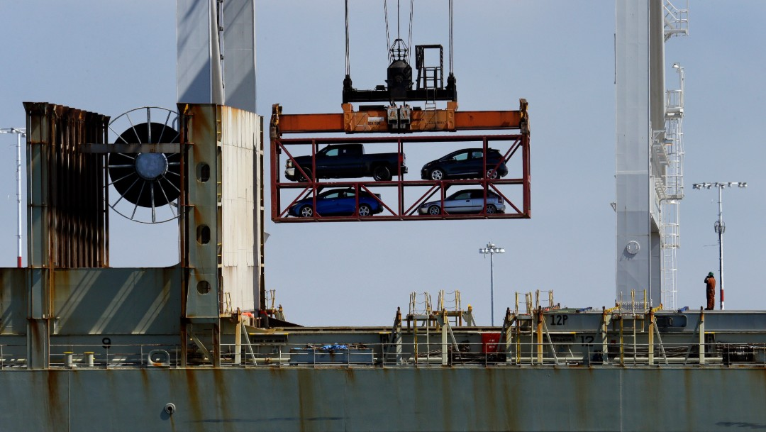 Foto: Vehículos colocados en contenedores, 13 de julio de 2017, California