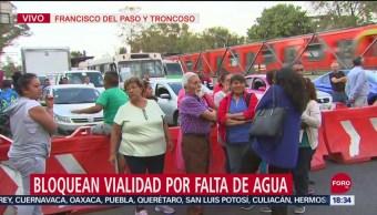 FOTO: Bloquean Francisco Del Paso Y Troncoso Por Falta Agua Potable