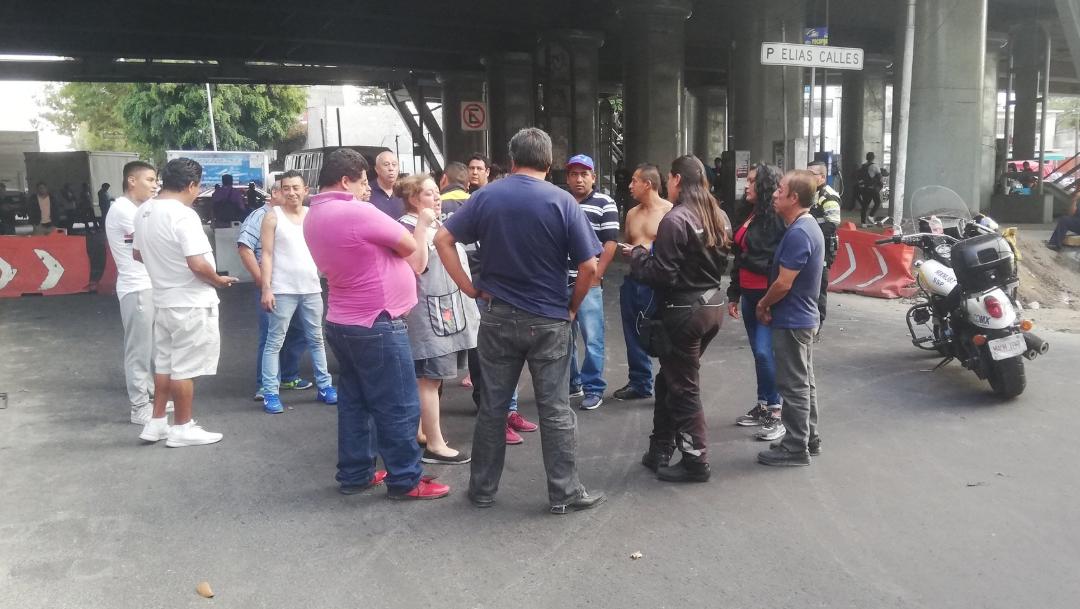 Bloqueo en Francisco del Paso y Troncoso. (Twitter: @iztacalconews)