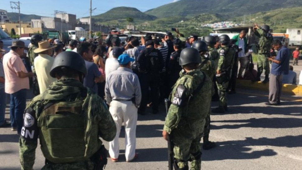 Foto. Habitantes bloquean carretera México-Acapulco, 20 de septiembre de 2019. México