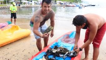 Foto: En el puerto de Acapulco se generan diariamente en promedio 15 toneladas de desechos, aumentando a 30 toneladas los fines de semana, 21 de septiembre de 2019 (Twitter @AcapulcoGob)