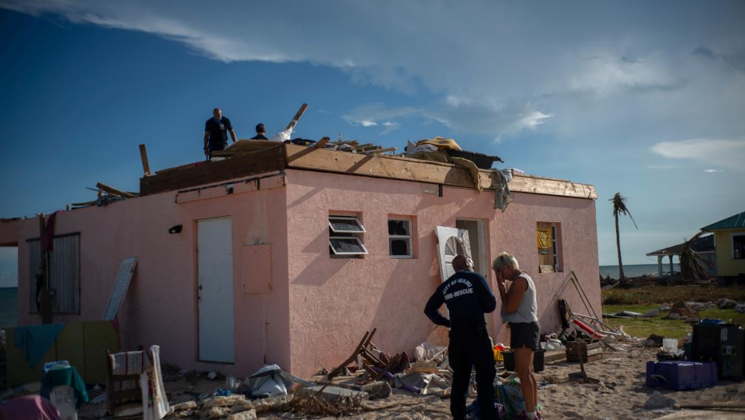 FOTO Michael Jordan dona 1 millón de dólares para damnificados en Bahamas (AP)