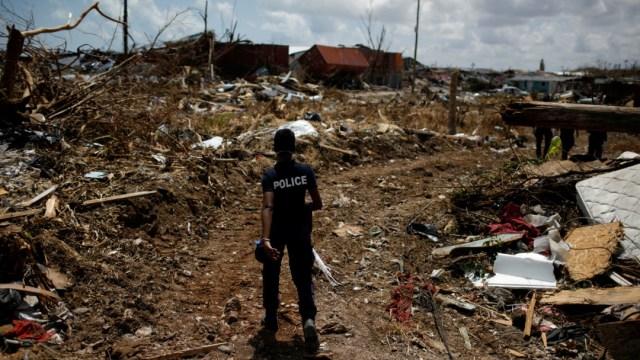 Bahamas resiste paso de tormenta Humberto tras devastación del huracán Dorian