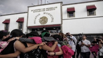 Alcalde de Ecatepec se reúne con familiares de víctimas de feminicidio y colectivos feministas