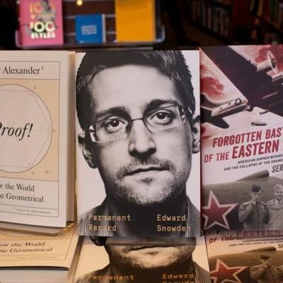 Estados Unidos demanda a Edward Snowden por publicar su libro de memorias