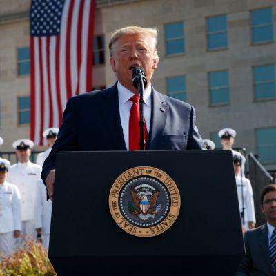 Trump amenaza a talibanes en aniversario del 11-S