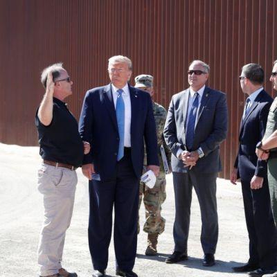 México se ha portado fantástico, dice Trump durante visita a muro fronterizo