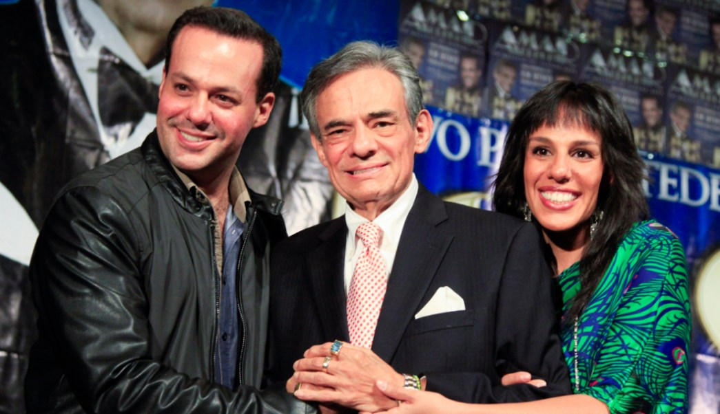 """Foto: """"El Príncipe de la Canción"""" acompañado de sus hijos José Joel y Marisol Sosa, 29 septiembre 2019"""