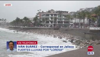 Lluvias del huracán 'Lorena' provocan caída de árboles en Puerto Vallarta