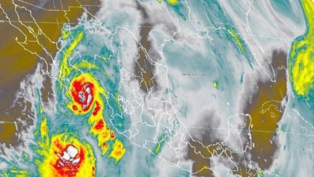 Huracán 'Lorena' se ubica de nuevo sobre el Golfo de California