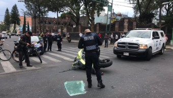 Muere motociclista instantáneamente al chocar contra un carro en CDMX 1.jpg_medium (1)