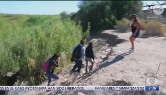 Mujer de origen mexicano agrede a migrantes en EU