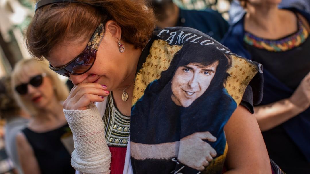 Foto: Mujer llora por Camilo Sesto, 9 de septiembre de 2019, Madrid, España