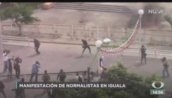 FOTO: Normalistas Ayotzinapa Vandalizan Palacio Gobierno Iguala