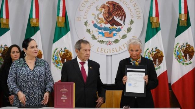 Foto: Olga Sánchez Cordero, secretaria de Gobernación, entrega al Congreso el Primer Informe de AMLO, el 1 de septiembre de 2019 (Graciela López /Cuartoscuro.com)