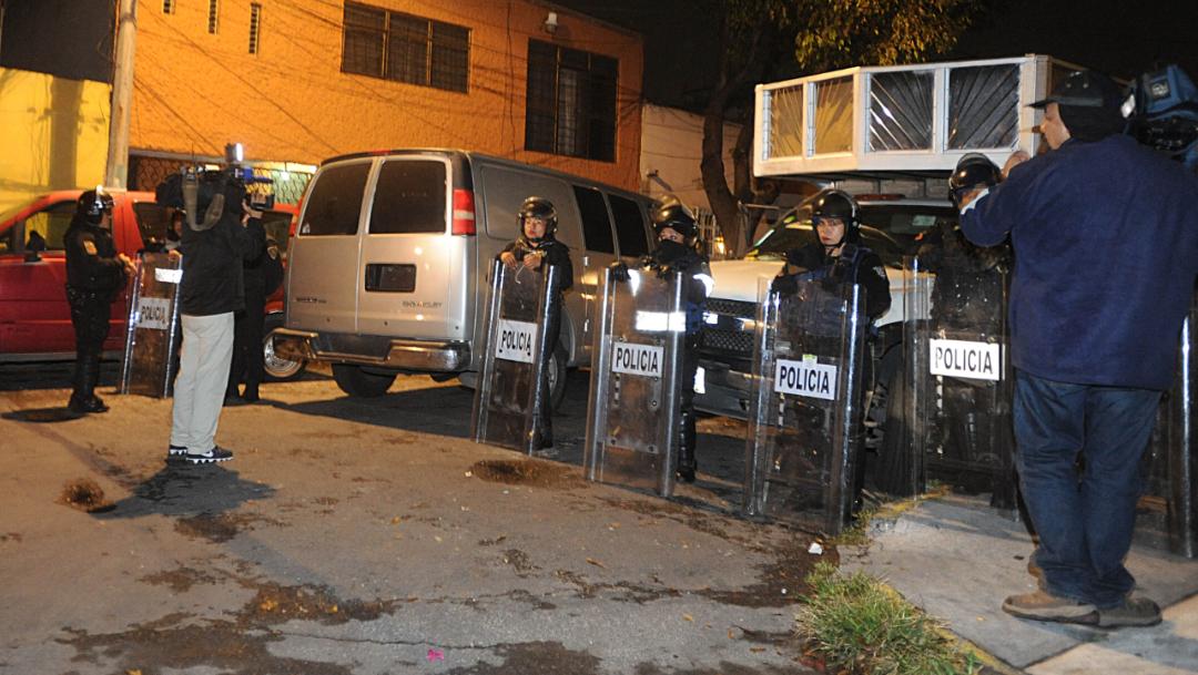 Foto: Realizan operativo para decomisar ropa pirata en la Ciudad de México, 19 septiembre 2019