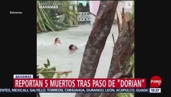 FOTO: Personas Nadan Calles Inundadas Tras Paso Dorian