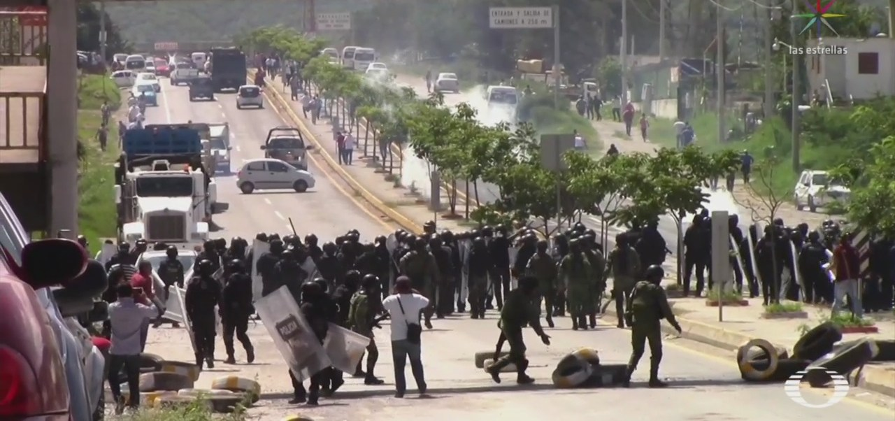 Foto: Policía Desaloja Habitantes Reinstalar Autodefensas México-Acapulco 20 Septiembre 2019