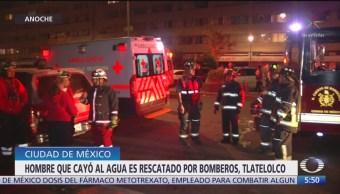 Rescatan a hombre que cayó en basamento de un edificio abandonado en CDMX