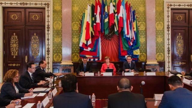 Reunión entre ministros de hacienda