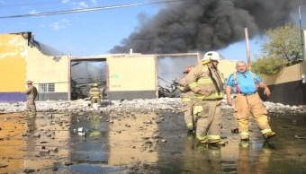 Foto Se incendia bodega de aceites en El Granjero, Ciudad Juárez 3 septiembre 2019