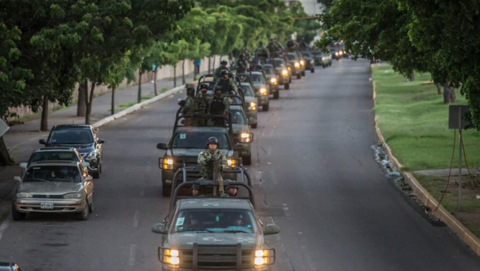 Foto: Los 198 Fusileros Paracaidistas se sumarán a los 230 soldados de las fuerzas especiales que ya vigilan Culiacán, 21 de octubre de 2019 (Omar Martínez /Cuartoscuro.com)