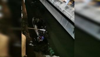 Foto: Cae automovilista al Río de los Remedios, 3 octubre 2019