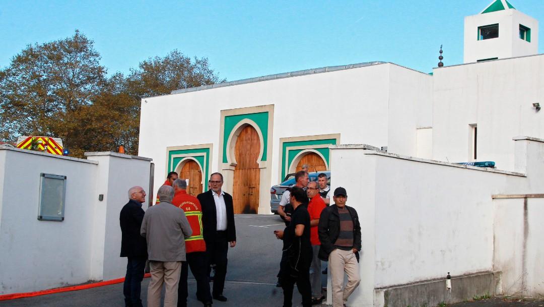 Foto Al menos dos heridos en tiroteo frente a mezquita en Francia, 28 de octubre de 2019
