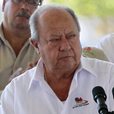 AMLO celebra renuncia de Romero Deschamps y el fin de una era en sindicato petrolero
