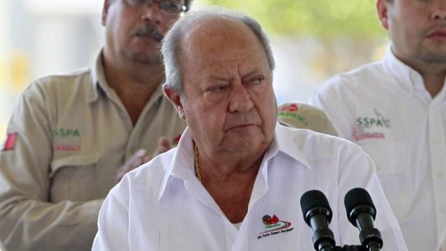 Foto AMLO celebra renuncia de Romero Deschamps y fin de una era