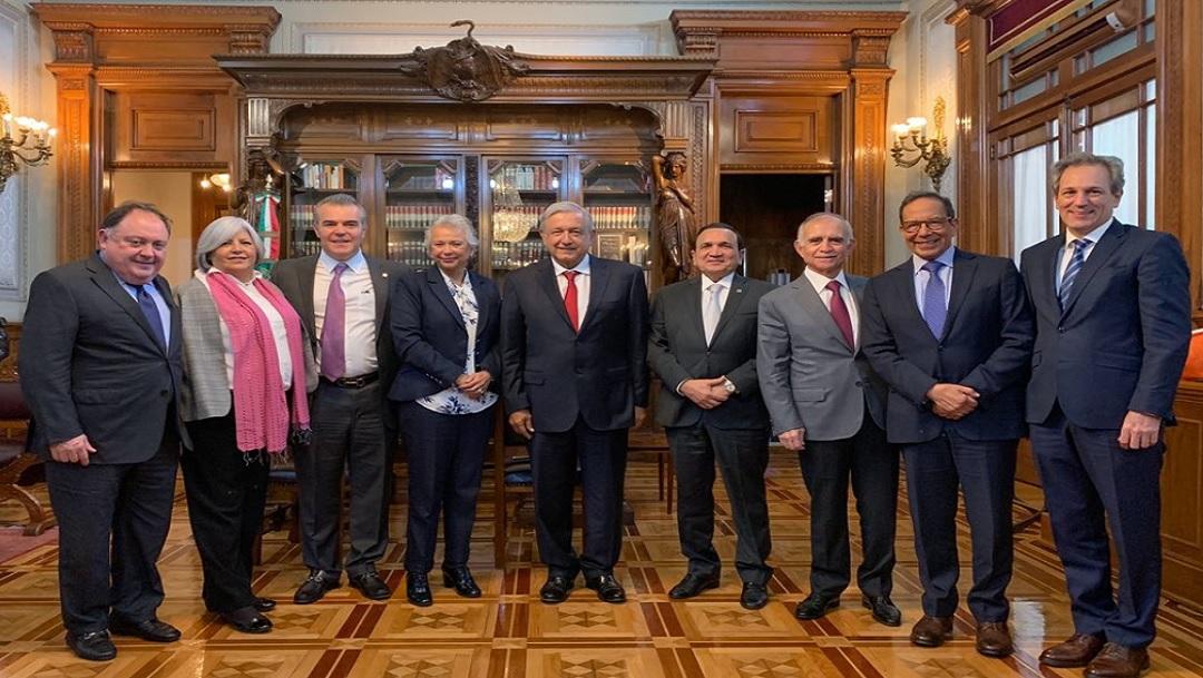 AMLO se reúne con empresarios para aclarar cambios fiscales