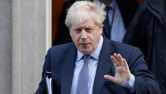 Foto Boris Johnson, 'horrorizado' por hallazgo de 39 cadáveres