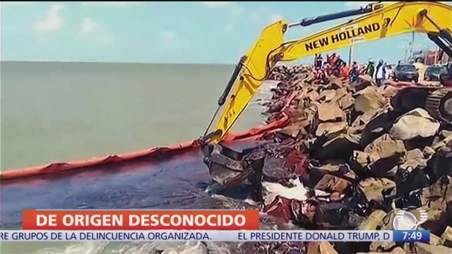 Brota petróleo en playas de Brasil