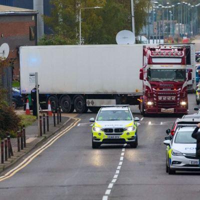 Revelan mensaje de mujer que podría estar entre los muertos del camión en Essex
