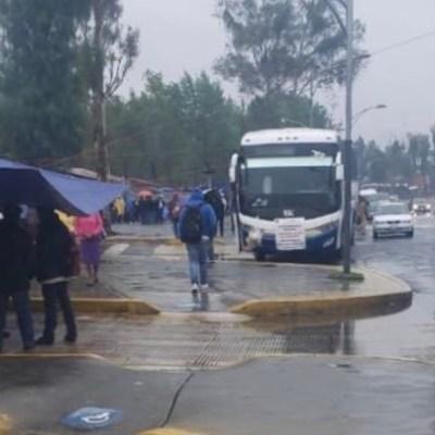 Campesinos bloquean Cámara de Diputados y suspenden labores administrativas
