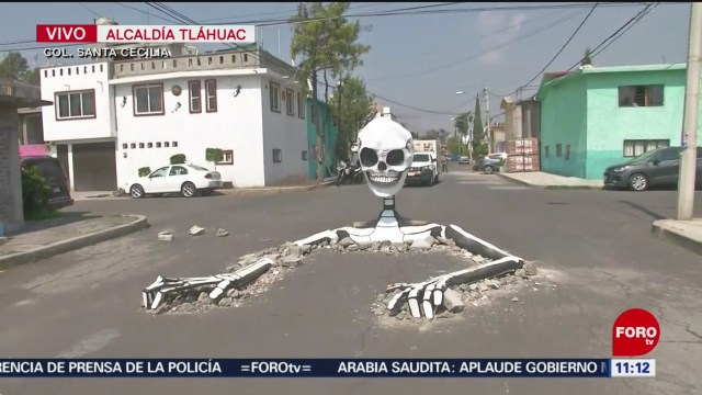 Colocan calaveras gigantes en calles de Tláhuac, en CDMX