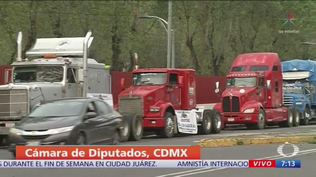 Comienzan a llegar transportistas a la Cámara de Diputados