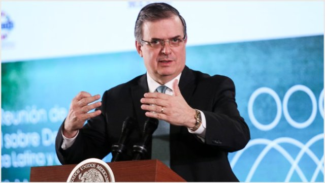 Imagen: Funcionarios de varias partes del país externaron sus condolencias a Marcelo Ebrard, 13 de octubre de 2019 (GALO CAÑAS /CUARTOSCURO.COM)