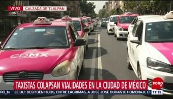 Contingente de taxistas que salió del Metro General Anaya llega al Zócalo CDMX