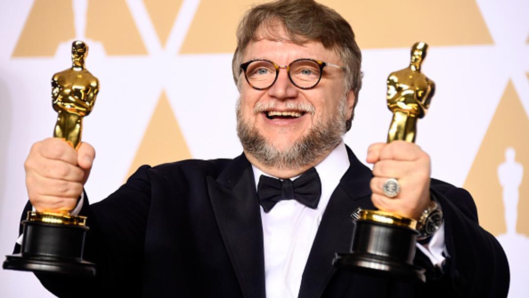 Imagen: Es precisamente esa rareza la que en 2018 lo hizo ganar el Premio Oscar por Mejor Director por la película La forma del agua, pues la crítica y el público destacaron los elementos cinematográficos y alegorías que Del Toro construye para sus historias, 9 de octubre de 2019 (Getty Images, archivo)