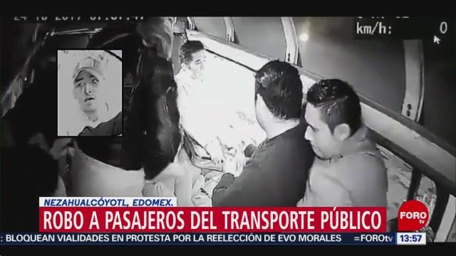 FOTO:Delincuente asalta combi sin subirse a la unidad en Neza, 25 octubre 2019