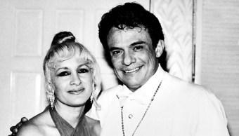 Kiki' a un lado de José José en 1970, 03 octubre del 2019 (Mezcalent)