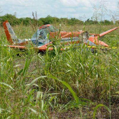 Se desploma avioneta tras tocar cables de alta tensión en Culiacán