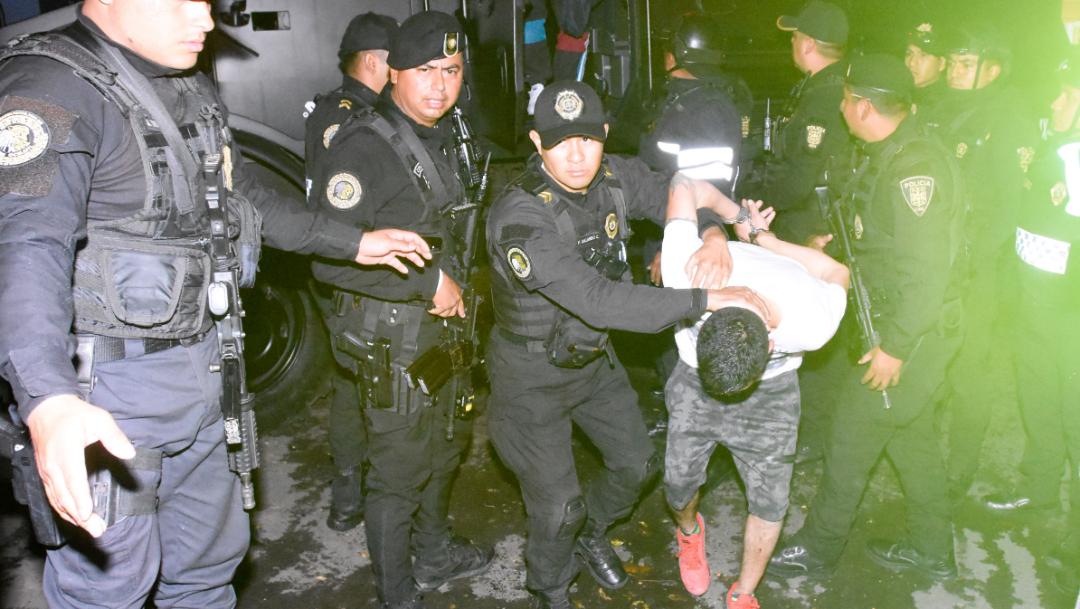 Los cinco presuntos integrantes de la Unión Tepito fueron detenidos el lunes 28 de octubre. (CRISTIAN HERNÁNDEZ /CUARTOSCURO)