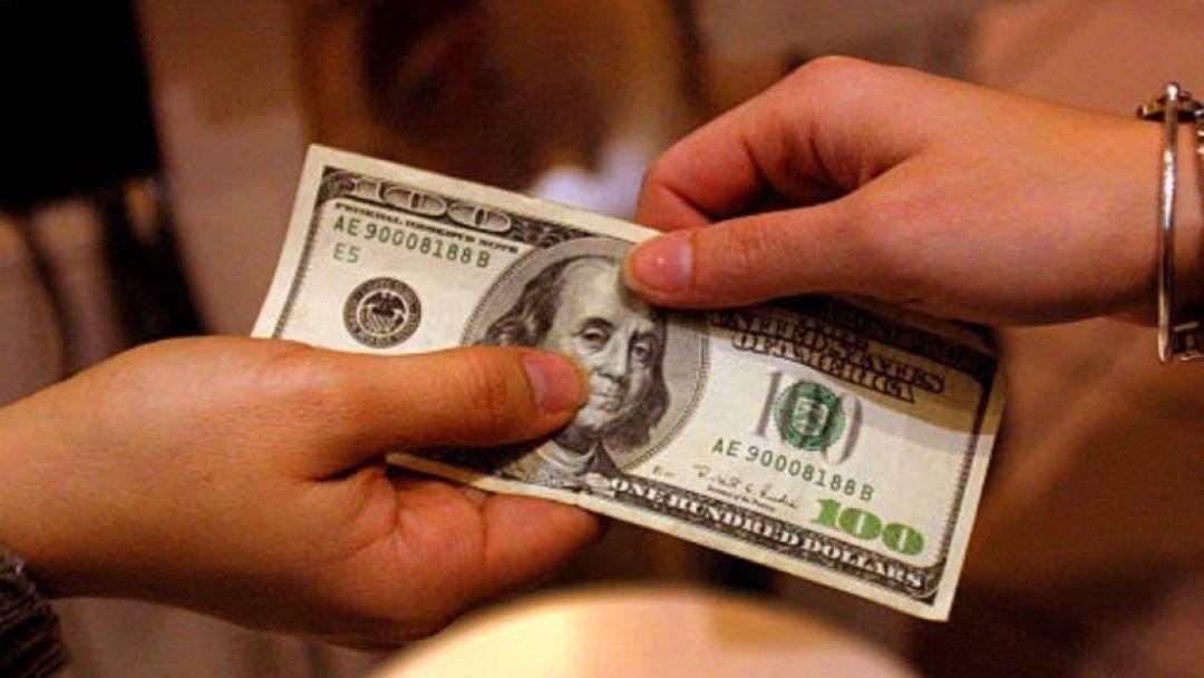 Foto Dólar abre a la venta en 19.63 pesos en bancos de CDMX