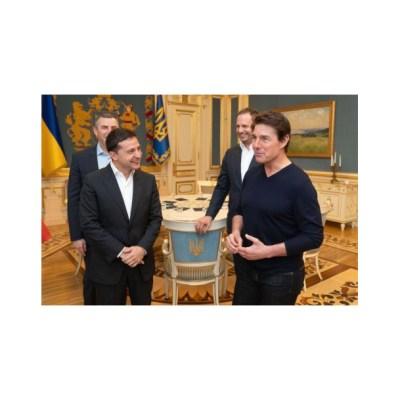 'Eres guapo', dice presidente de Ucrania a Tom Cruise