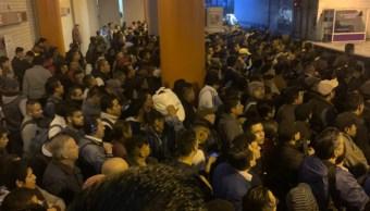 Foto: Los usuarios publicaron en redes sociales la gran cantidad de gente en la Línea A del Metro, el 7 de octubre de 2019 (Twitter @13carlosgarcia)