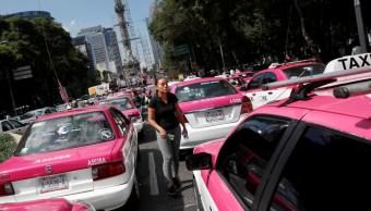 Foto: Taxistas bloquean avenida Paseo de la Reforma, en Ciudad de México. Reuters