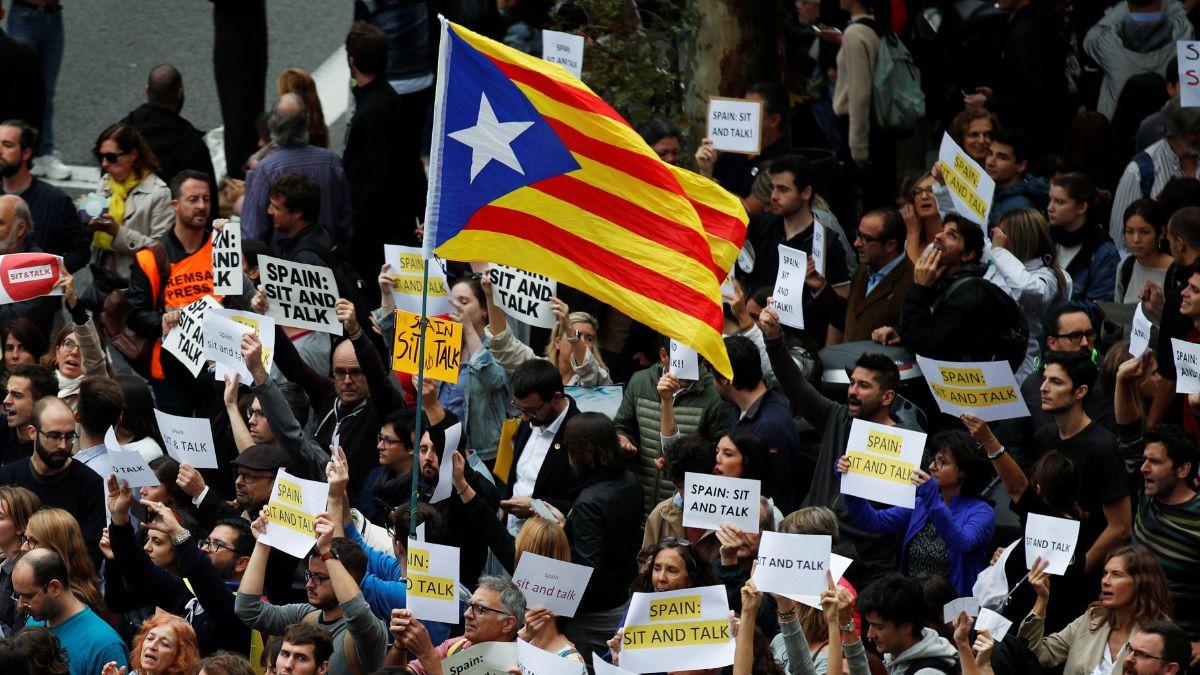 Foto: Miles protestan en las calles de Cataluña. Reuters